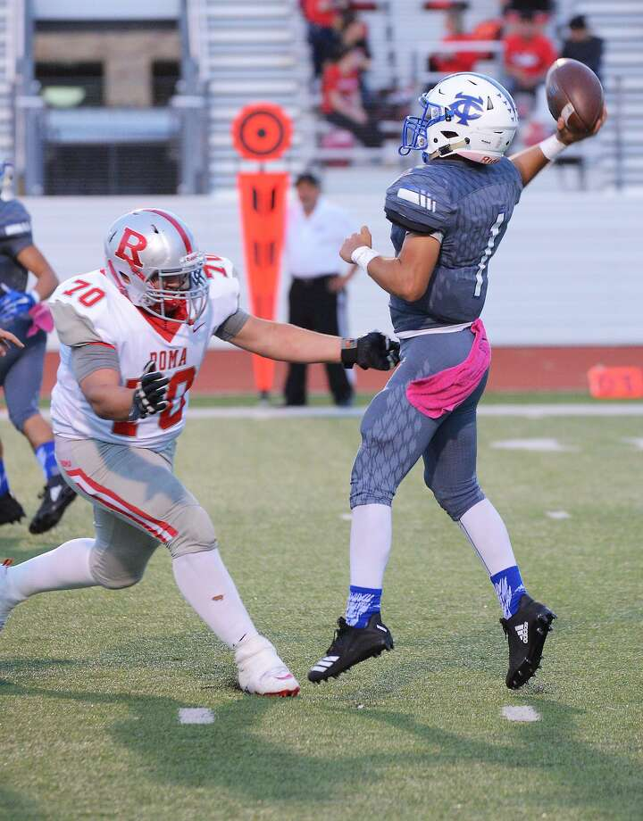 Quarterback Rudy Ramirez is 65 of 141 (46.1 percent) for 598 yards, four touchdowns and six interceptions this season. Photo: Cuate Santos /Laredo Morning Times / Laredo Morning Times