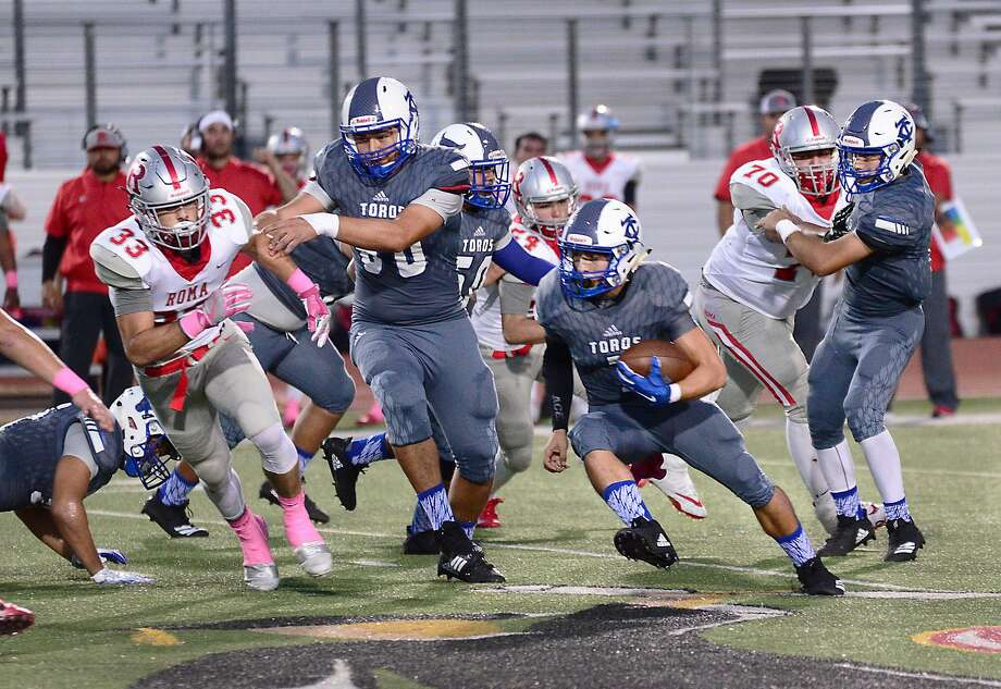 Running back Pablo Salazar led Cigarroa with 318 rushing yards and two touchdowns this year. Photo: Cuate Santos /Laredo Morning Times File / Laredo Morning Times