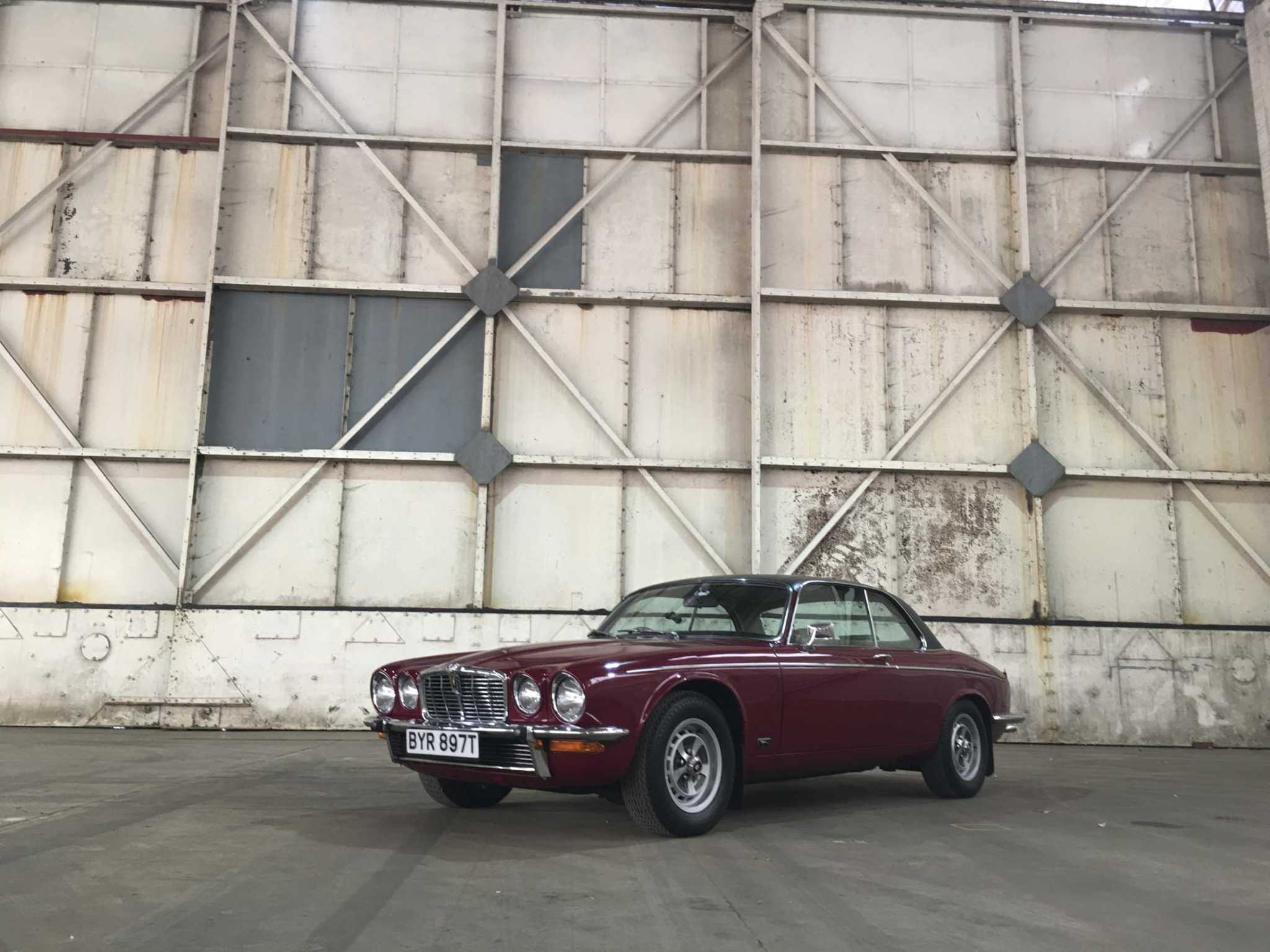 A Jaguar Xj Is The Coolest Vintage Car You Can Actually Afford To Overheating Alarm Buy Newstimes