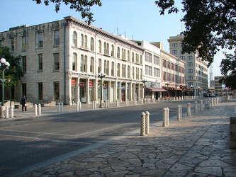 Woolworth's - 518 E  Houston Street - San Antonio Express-News