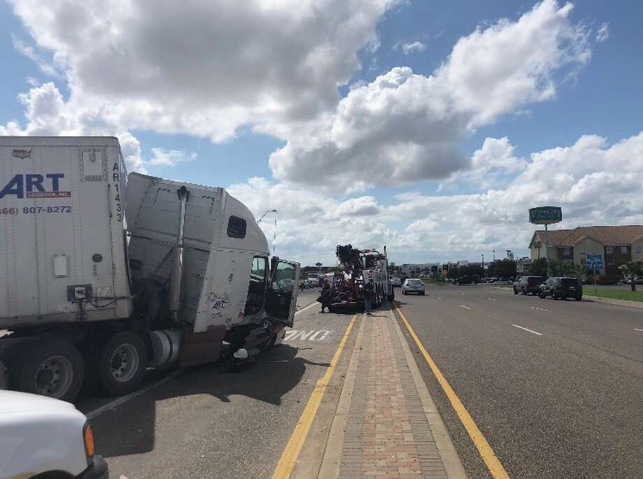 Separate motor vehicle accidents resulted in closures on the northbound lanes of Loop 20, the Laredo Police Department said Friday afternoon. Photo: Laredo Police Department