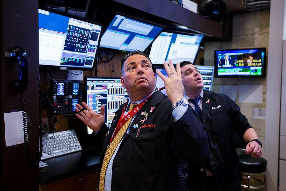 Traders saw some gains Friday on the floor of the New York Stock Exchange. Photo: Michael Nagle / Bloomberg