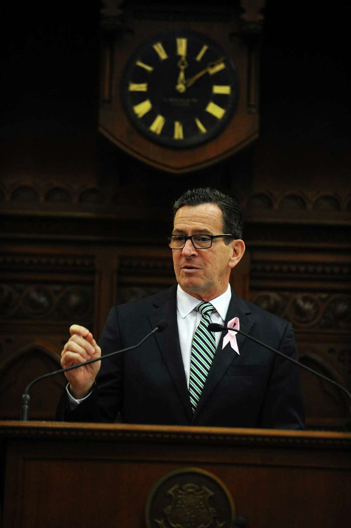 Gov. Dannel Malloy addresses the joint session inside the House chamber of the State Capitol in Hartford in Feb. 2018.