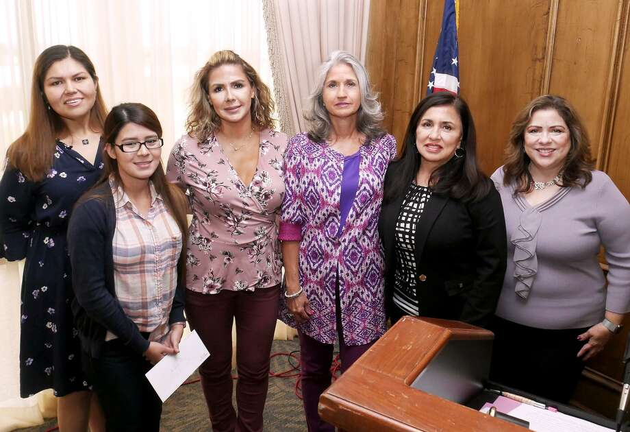 Laredo Women's City Club representatives pose Thursday at the Laredo Country Club with Riza Vazquez, second from left, the 1st prize winner ($5,000 in gold) of a raffle held at the 12th annual Women's City Club's Dancing with the Stars. WCC members are, from left, Cynthia Perez, Nancy G. Macdonald, Elsa Miles, Lydia R. Sanchez and Sylvia Gandhi. Photo: Cuate Santos /Laredo Morning Times / Laredo Morning Times