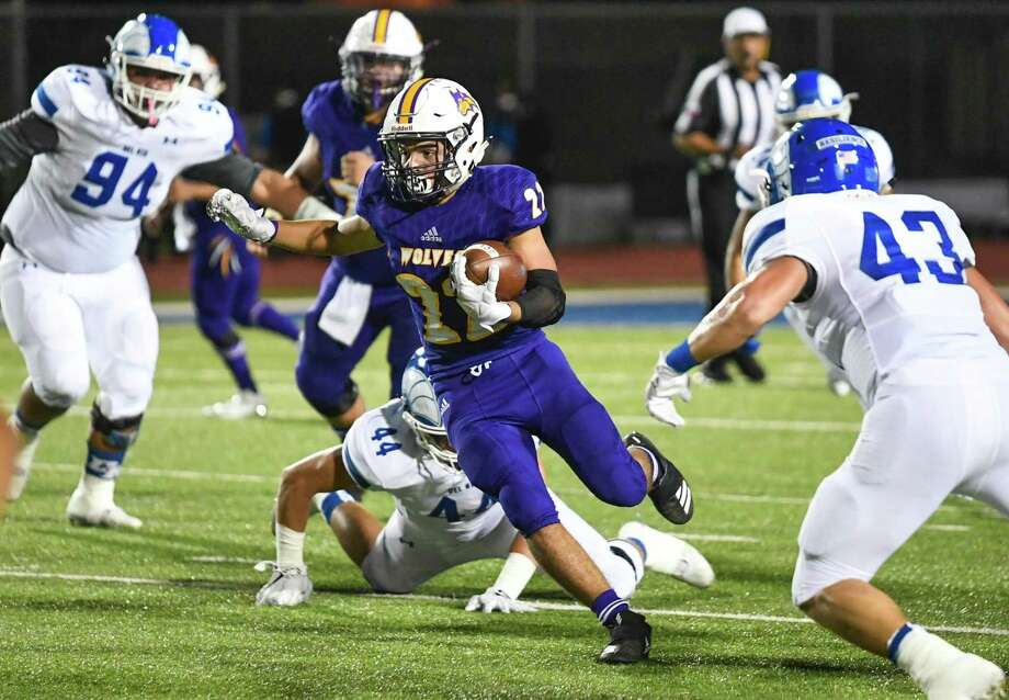 Running back Eddie Santillan and LBJ takes on Nixon for a 7 p.m. game Thursday at the SAC. Photo: Danny Zaragoza /Laredo Morning Times File