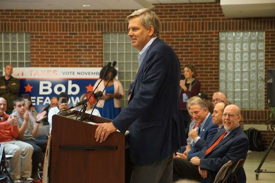 Republican gubernatorial candidate Bob Stefanowski addresses a GOP unity rally Saturday in Southbury. Photo: Mark Pazniokas /CTMirror.org