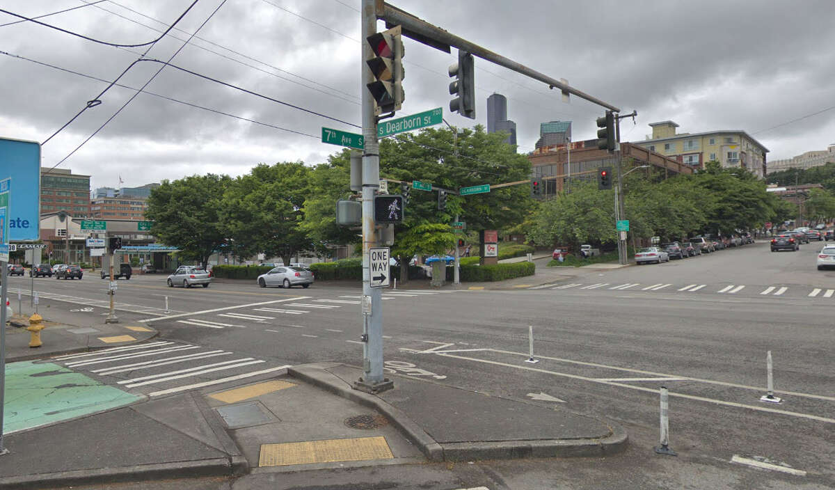 14. South Dearborn Street and 7th Avenue South - Seattle Crashes: 8 Serious injury: 1 Minor injury: 5 Bicycle Danger Index (BDI): 28