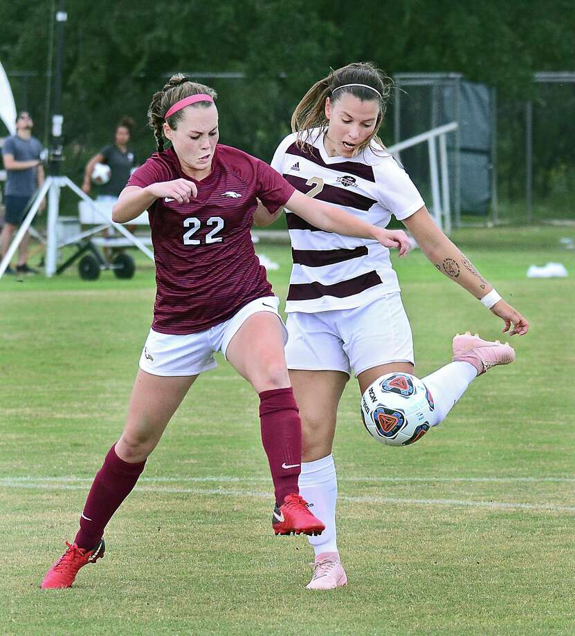 Rafael Montabes and Cio Bargallo, pictured, earned second-team All-Heartland Conference honors this week for the TAMIU men's and women's soccer teams. Photo: Cuate Santos /Laredo Morning Times File / Laredo Morning Times