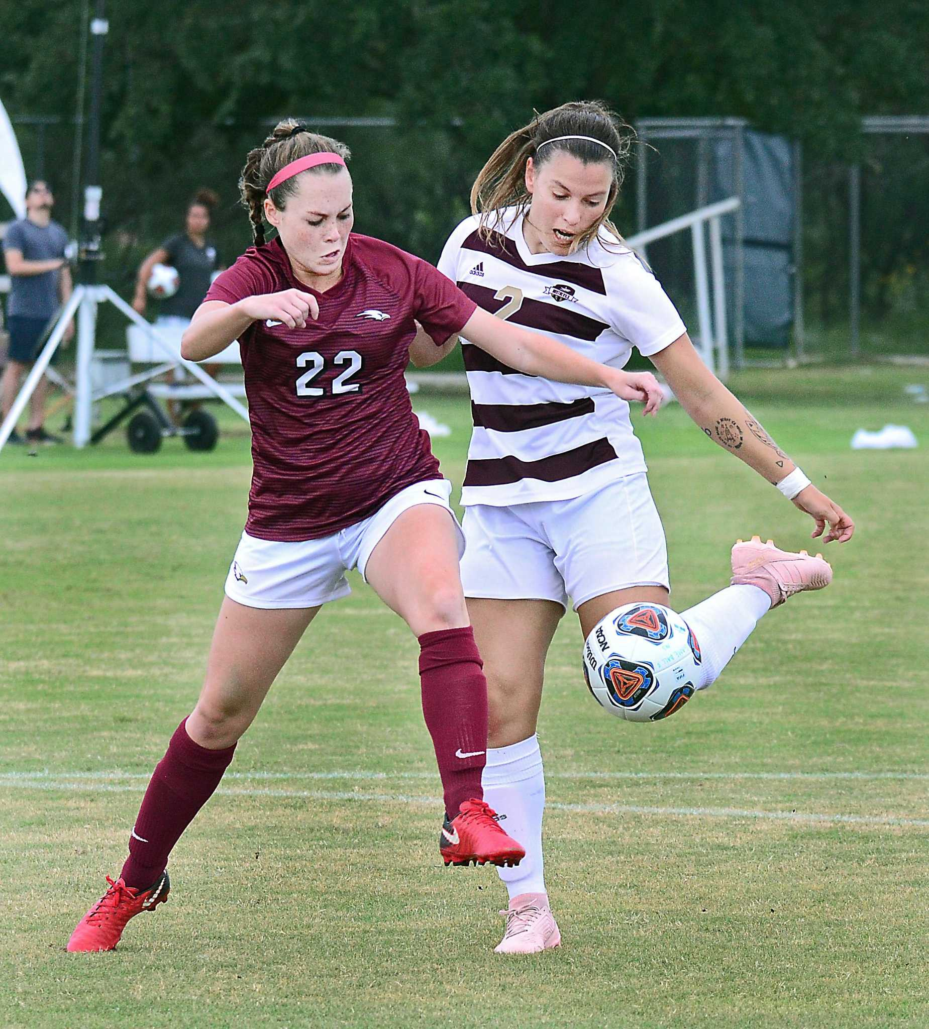 4bd3e8848 TAMIU downs rival Rattlers in OT after 2 late goals - Laredo Morning ...