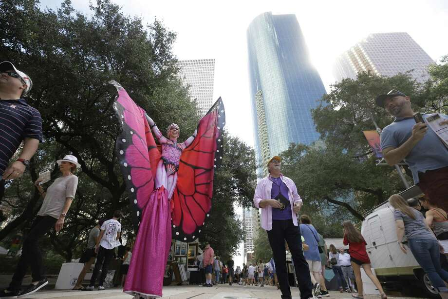 Producers of the Bayou City Art Festival announced plans to move the in-person festival in 2020 to a Bayou City Art Virtual Experience taking place the week of Oct. 5-11, 2020. Photo: Melissa Phillip, Houston Chronicle / Staff Photographer / © 2018 Houston Chronicle