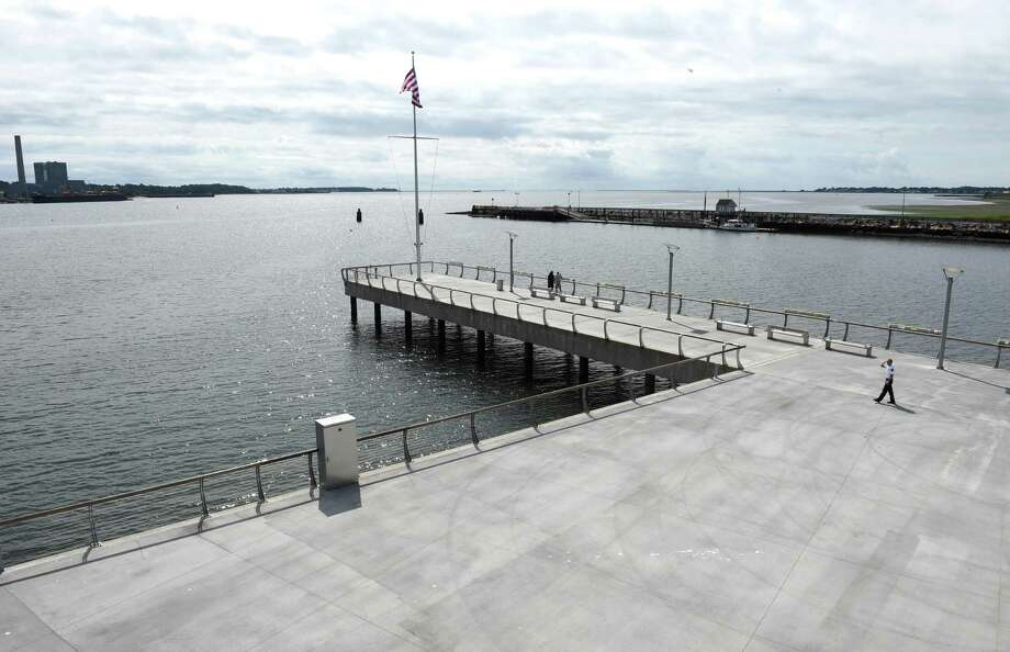 The U.S. Army Corps of Engineers will hold two public hearings on a project that would deepen the New Haven Harbor shipping channel. Photo: Arnold Gold / Hearst Connecticut Media / New Haven Register
