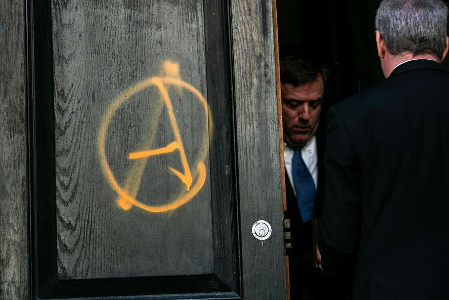 Outside of the vandalized Metropolitan Republican Club in Manhattan, Oct. 12, 2018. Windows were broken and anarchist symbols were left on the club's doors in Manhattan before an appearance by Gavin McInnes, the founder of the Proud Boys. (Jeenah Moon/The New York Times) Photo: JEENAH MOON, NYT
