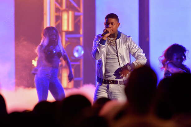 MIAMI BEACH, FL - OCTOBER 06: Rapper Yella Beezy onstage during the BET Hip Hop Awards 2018 at Fillmore Miami Beach on October 6, 2018 in Miami Beach, Florida.