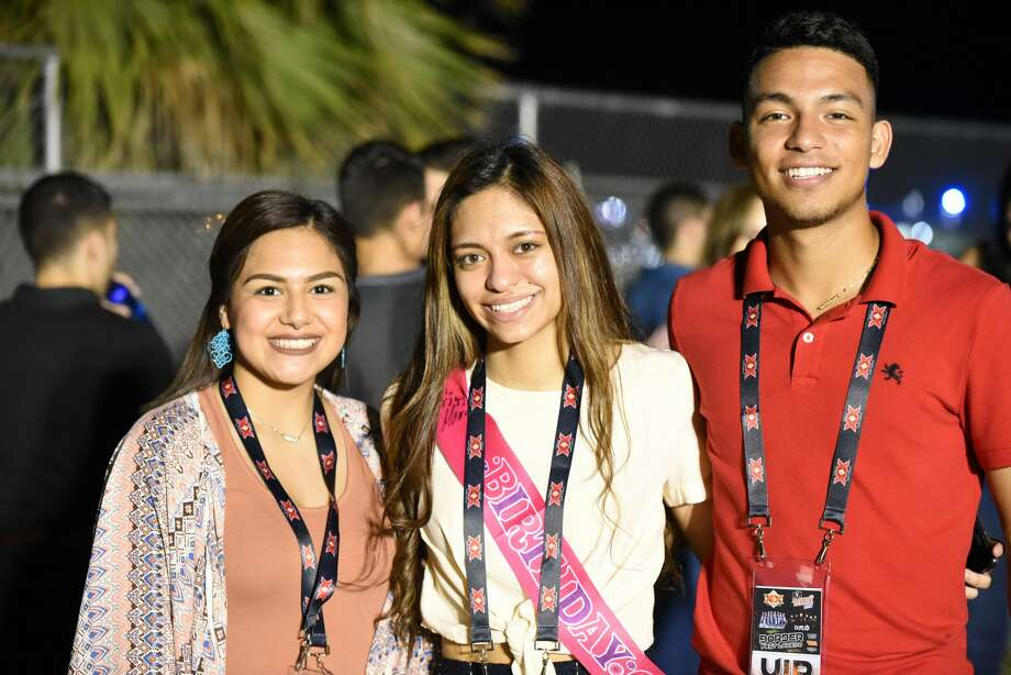 Attendees pose for a photo during the Laredo Border Fest. Photo: Christian Alejandro Ocampo