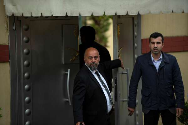 Saudi officials arrive for an investigation into the disappearance of Saudi journalist Jamal Khashoggi at the Saudi consulate in Istanbul, on October 15, 2018. - US President Donald Trump warned on 13 October that his administration would inflict severe punishment on Saudi Arabia if the kingdom was found to have played a part in the disappearance of Saudi journalist Jamal Khashoggi who has gone missing after visiting the Saudi consulate in Istanbul on 02 October to complete routine paperwork.