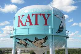 Close-up view of the mural painted byArtistbrothers on the Franz Road municipal water tank in Katy.
