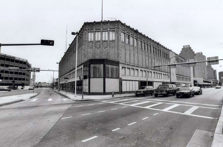 Sears' store in downtown San Antonio, which moved twice before it settled at 600 Soledad St. in 1938, was razed in the 1990s to make way for Central Library.