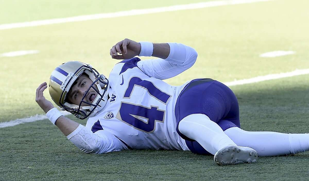 Worst: Peyton Henry's missed field goal After two years of UW kicking Duck tail in a big way, 2018 gave us the first good game this rivalry had seen in some time. Tied at 24 with just three seconds left in the fourth quarter, Petersen sent Peyton Henry out to kick a game-winning 37-yard field goal. Instead, the then-true freshman missed - and the Ducks went on to win in overtime.