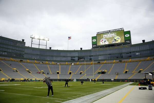 49ers-Packers pregame: Sights and sounds from Lambeau Field