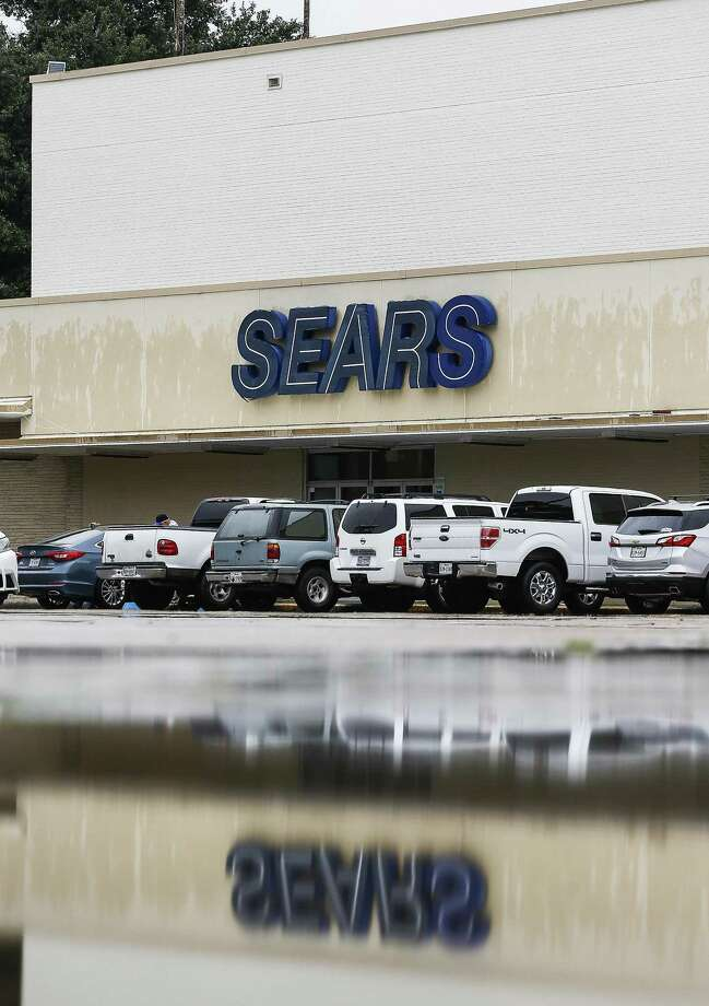 A Sears store is seen off North Shepherd Drive Monday Oct. 15, 2018, in Houston. Photo: Michael Ciaglo, Houston Chronicle / Staff Photographer / Michael Ciaglo