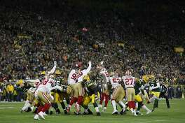 Green Bay Packers kicker Mason Crosby (2) kicks a field goal against the San Francisco 49ers during the first half of an NFL football game Monday, Oct. 15, 2018, in Green Bay, Wis. (AP Photo/Matt Ludtke)