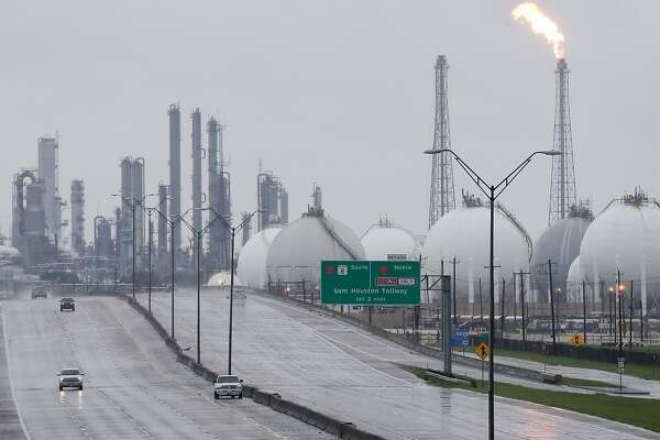 A flares at Shell is shown along with other complexes along 146 Tuesday, August 29, 2017 in Deer Park. Several plants shut down due to Hurricane Harvey. ( Melissa Phillip / Houston Chronicle)