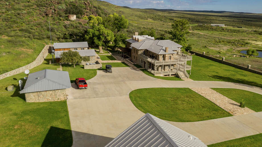 El Paso billionaire bids for huge West Texas ranch - Midland ...