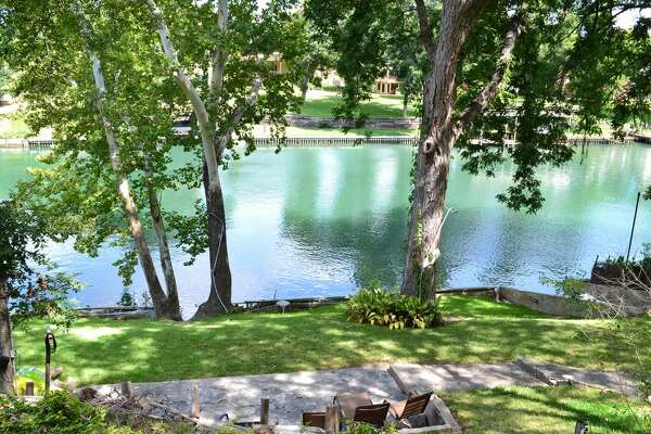 """Kuehler Cottage"" - New Braunfels Average nightly rate: $156Sleeps: 6"
