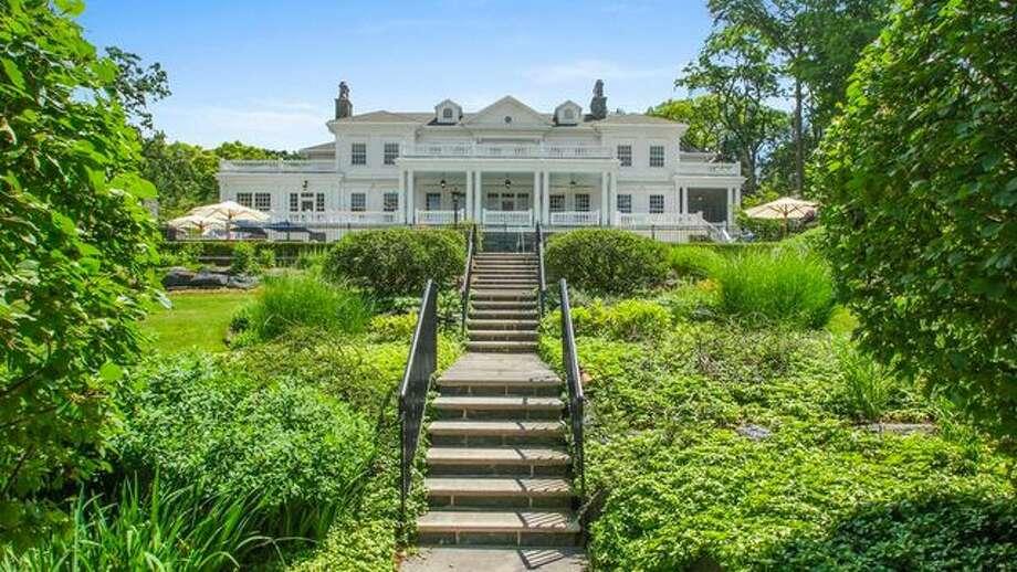 Terrific Will This Lake Geneva Mansion Be Wisconsins Most Expensive Home Remodeling Inspirations Gresiscottssportslandcom