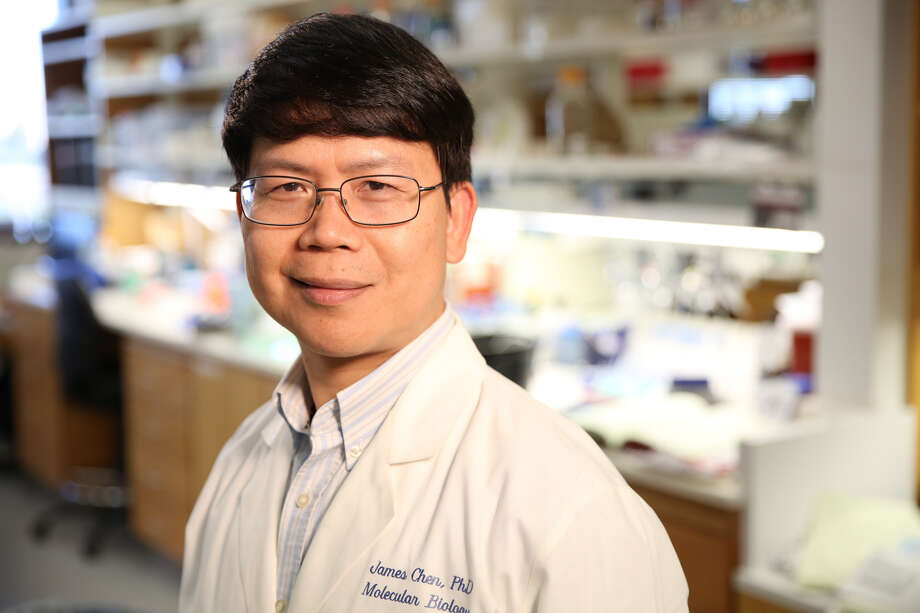 James Chen, a biochemist at the University of Texas Southwestern Medical Center, will receive a $3 million Breakthrough Prize in Life Sciences. Photo: UT Southwestern Medical Center