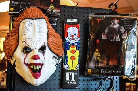 Spirit Halloween Clown Costumes Kids.Hot Halloween Costumes Come From Pop Culture Classic Horror