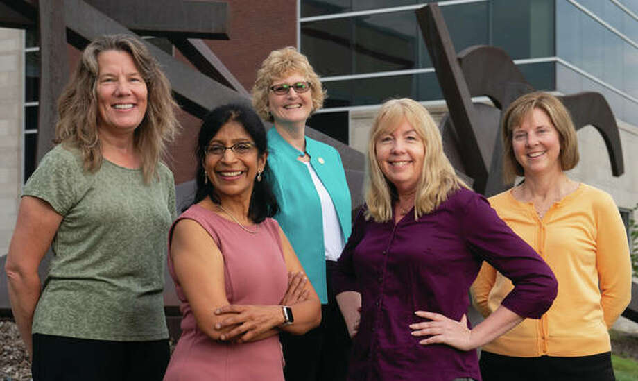 The NSF has funded a research project aimed at advancing flipped teaching in STEM education, under the direction of collaborators from SIUE and St. Louis Community College, including (front L-R) Chaya Gopalan, Sharon Locke, (back L-R) Georgia Bracey, Julie Fickas and Lynn Bartels. Photo: SIUE Photo