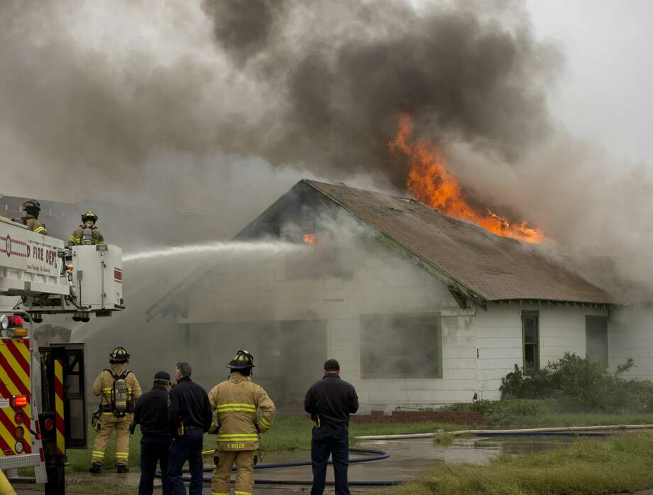 Midland firefighters battle a house fire 10/17/18 in the 3000 block of W. Michigan.  Tim Fischer/Reporter-Telegram Photo: Tim Fischer/Midland Reporter-Telegram