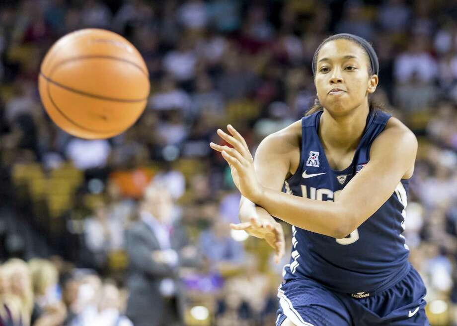 UConn's Megan Walker Photo: Andrew Bershaw / Icon Sportswire Via Getty Images / ©Icon Sportswire (A Division of XML Team Solutions) All Rights Reserved ©Icon Sportswire (A Division of XML Team Solutions) All