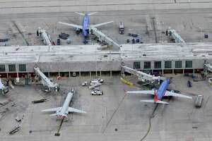 San Antonio International Airport could get a new terminal and parallel runway under a proposal to be offered by a task force appointed by Mayor Ron Nirenberg.