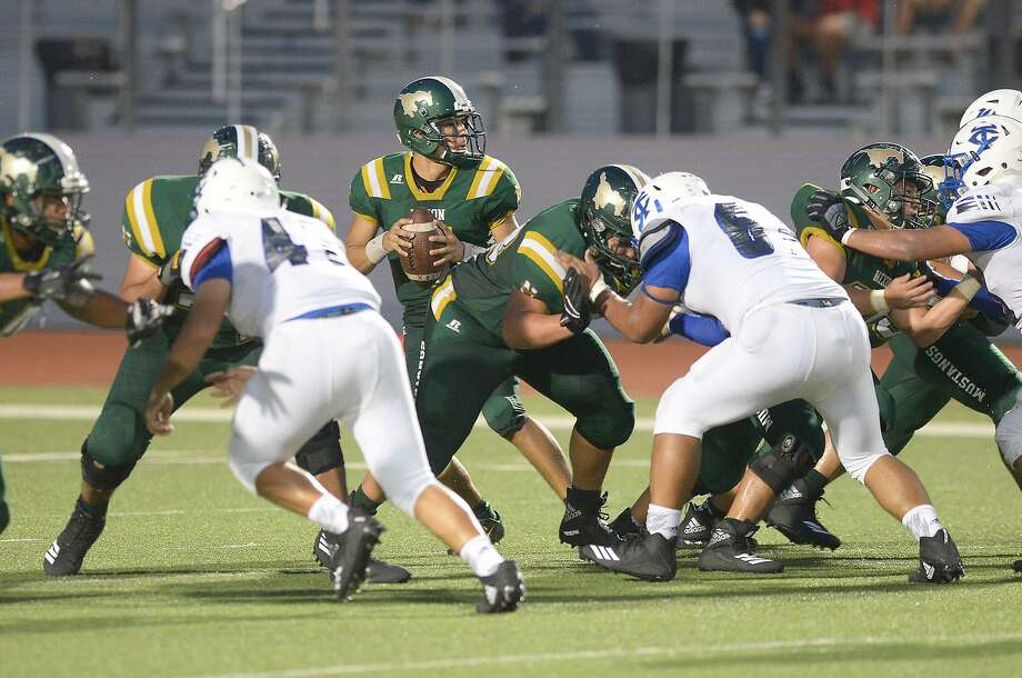 Nixon has ran the slot-T ever since head Antonio Villalon took over as the Mustangs' offensive coordinator back in 2015. Photo: Cuate Santos /Laredo Morning Times File / Laredo Morning Times