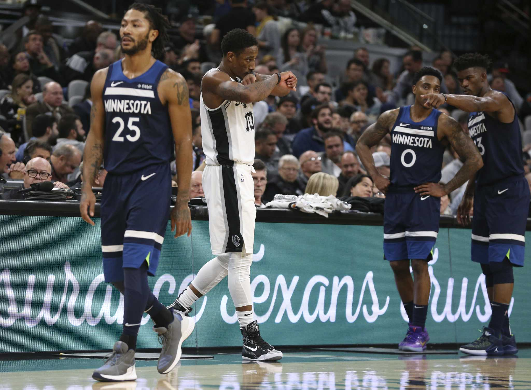 Same song, new verse: Spurs win opening night shootout