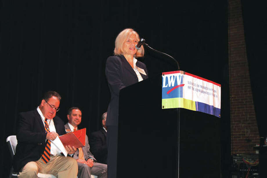 Rachel Tompkins, Chair of the Voter Services Committee of the Edwardsville Area League of Women Voters, speaks at the start of Wednesday's forum. Photo: Bill Tucker/Intelligencer