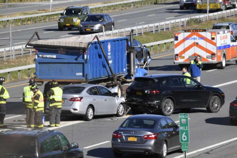 Multi-vehicle crash on I87 northbound - Times Union