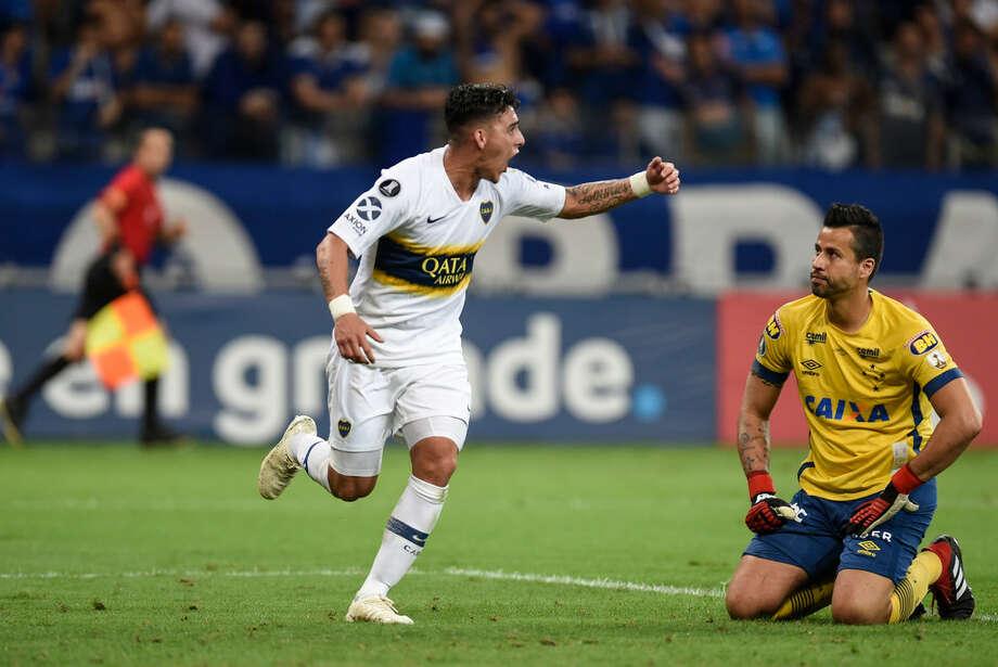 Cristian Pavón celebra el gol que anotó en el empate 1-1 de Boca Juniors ante Cruzeiro en la Copa Libertadores, en el estadio  Mineirao de Belo Horizonte, Brasil, el 4 de octubre de  2018. Photo: AFP/Getty Images