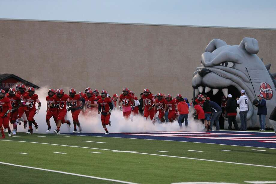 Lubbock Copper totaled 317 rushing yards en route to a 42-0 shutout victory over the Plainview Bulldogs to start District 3-5A action on Oct. 12 at Greg Sherwood Memorial Stadium. Photo: MyPlainview