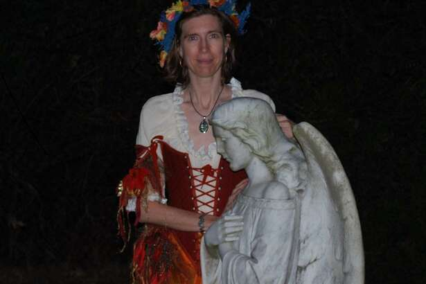 The annual Histor-Ween in Friendswood mixes ghostly chills with stories about the community's history.
