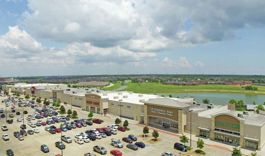 retail wrap fidelis realty partners expands shopping center portfolio houston chronicle. Black Bedroom Furniture Sets. Home Design Ideas