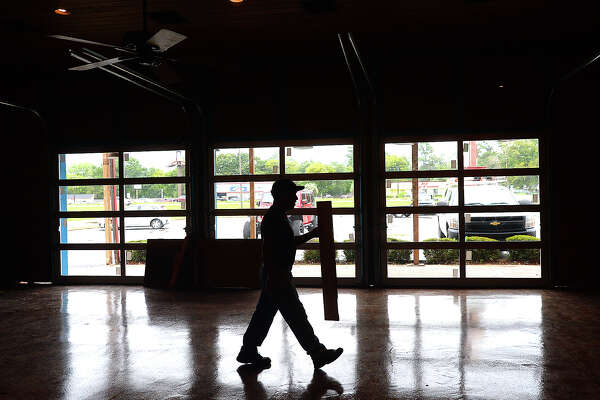 Workers continue renovations inside the former Cattle Company restaurant on the southbound side of Eastex Freeway. It will re-open as Ralph & Kacoo's Seafood Restaurant, owned by the same parent company, Great Texas Foods. The work is among the many retail developments taking place throughout the Parkdale Mall business district. Wednesday, October 17, 2018 Kim Brent/The Enterprise