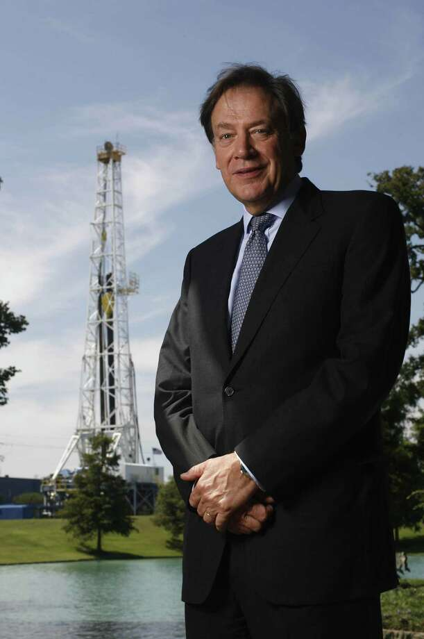 Schlumberger CEO and Chairman Andrew Gould at company's U.S. headquarters in Sugar Land on Wednesday September 27, 2006 in Sugar Land, TX. Schlumberger is the world's largest oilfield services company and has had a local presence since the 1930s; it recently consolidated its New York offices in Houston. Schlumberger is coming off a record quarter and anticipates solid financial growth as profit-rich oil companies invest more in exploration. Photo by Mayra Beltran / Houston Chronicle Photo: Mayra Beltran,  Staff / Houston Chronicle / Houston Chronicle