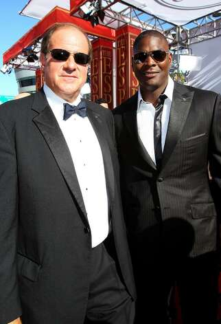 LOS ANGELES, CA - JULY 14:  ESPN talent Chris Berman and Keyshawn Johnson arrive at the 2010 ESPY Awards at Nokia Theatre L.A. Live on July 14, 2010 in Los Angeles, California.  (Photo by Alexandra Wyman/Getty Images for ESPY) *** Local Caption *** Chris Berman;Keyshawn Johnson Photo: Alexandra Wyman, Getty Images For ESPY / 2010 Getty Images