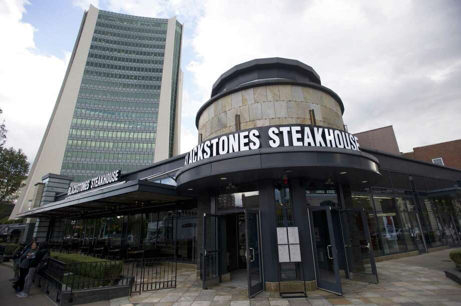 Blackstones Steakhouse has opened at 101 Broad St., in downtown Stamford, Conn. Photo: Michael Cummo / Hearst Connecticut Media / Stamford Advocate