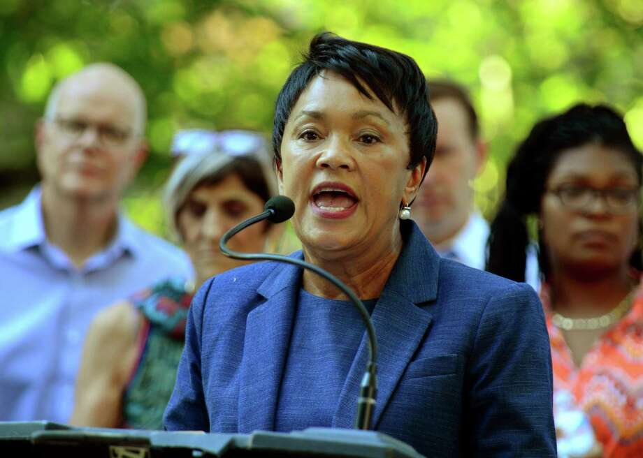 New Haven Mayor Toni Harp Photo: Christian Abraham / Hearst Connecticut Media / Connecticut Post