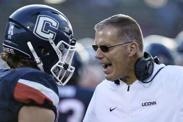 Coach Randy Edsall and the UConn football teams faces No. 21 South Florida on Saturday.