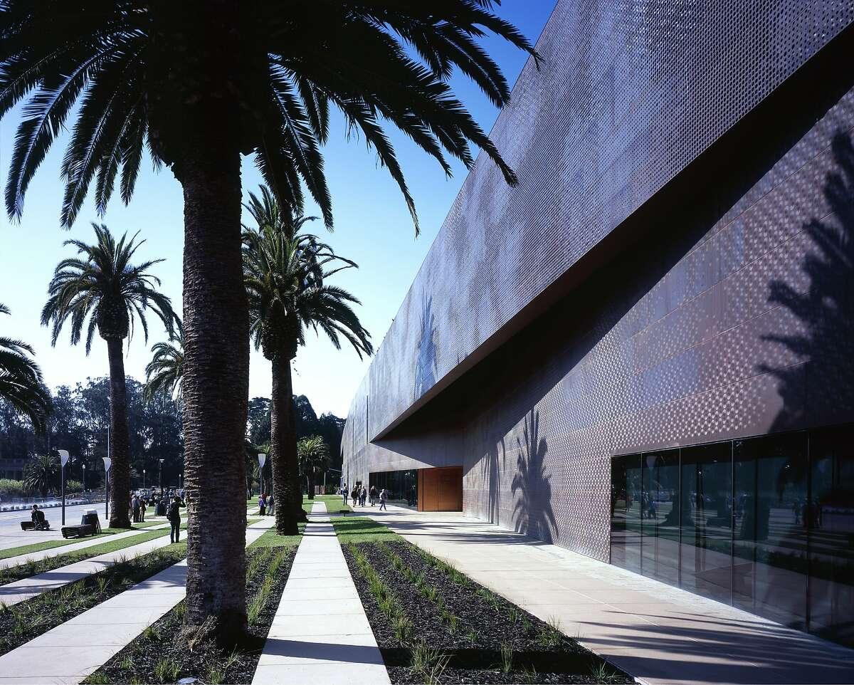 de Young Museum, San Francisco, 2005. Entrance. Architect: Herzog and de Meuron. (Photo by Arcaid/UIG via Getty Images)